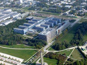 Campus TU-München Garching, Leibniz-Rechenzentrum und Fakultät für Mathematik und Informatik | Foto: Graf-flugplatz; wikimedia commons