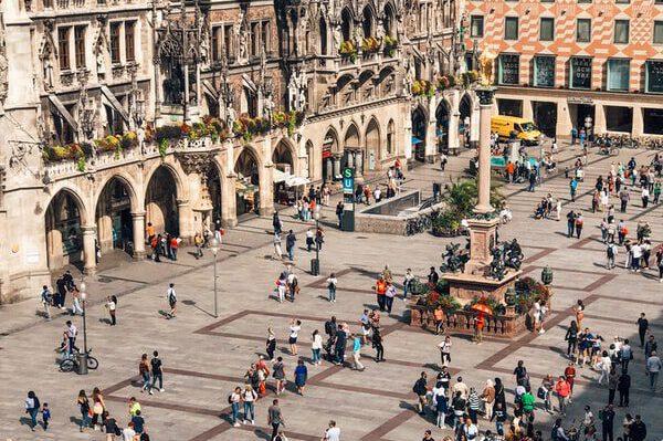 Marienplatz mit Mariensäule